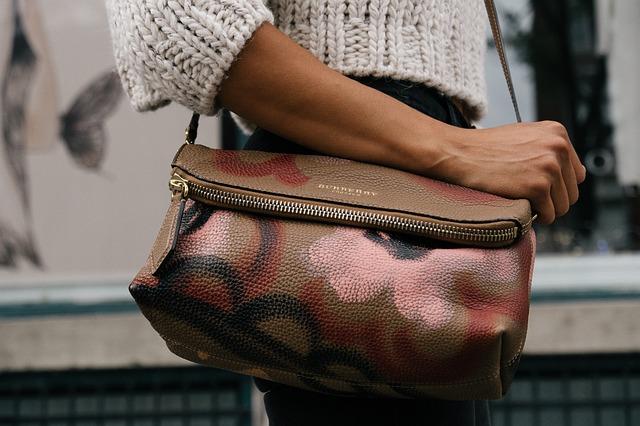 ošklivá kabelka